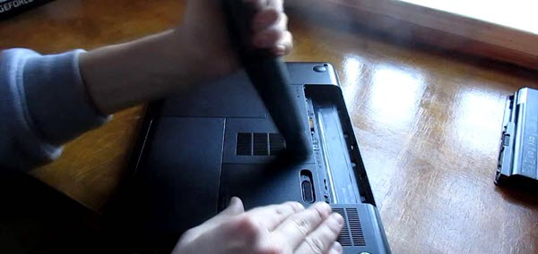 продувка ноутбука пылесосом