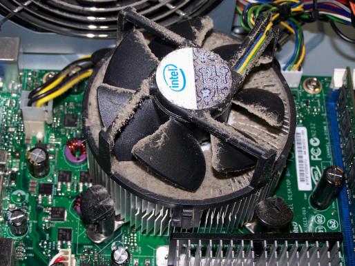 куллер процессора в пыли